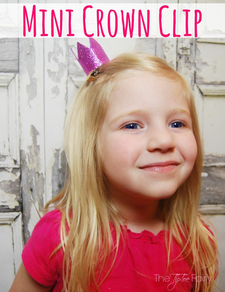 Make a Mini Crown Hair Clip easily with foam sheets for fun pretend play with your little one! | The TipToe Fairy
