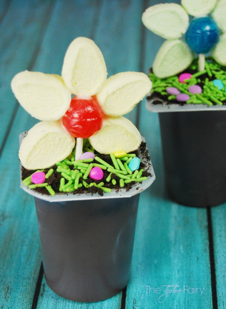 Make Flower Pot Pudding Cups - a perfect treat for kids for Easter   The TipToe Fairy #SnackPackMixin #ad