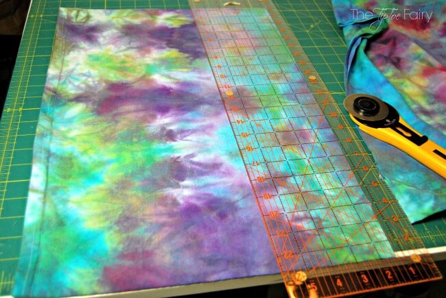 Learn Low Water Immersion Technique with this tutorial and make an upcycle tie dyed maxi skirt! | The TipToe Fairy | #TieDyeYourSummer @ilovetocreate