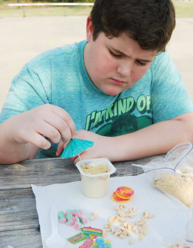 Have a Snack Pack® Picnic with Mix-ins with your kids! #ad #SpoonfulOfFun | The TipToe Fairy