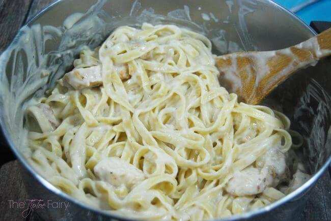 Back to School Dinner: Easy Chicken Fettuccine Alfredo #ad @TysonFoods #TysonProjectAPlus | The TipToe Fairy