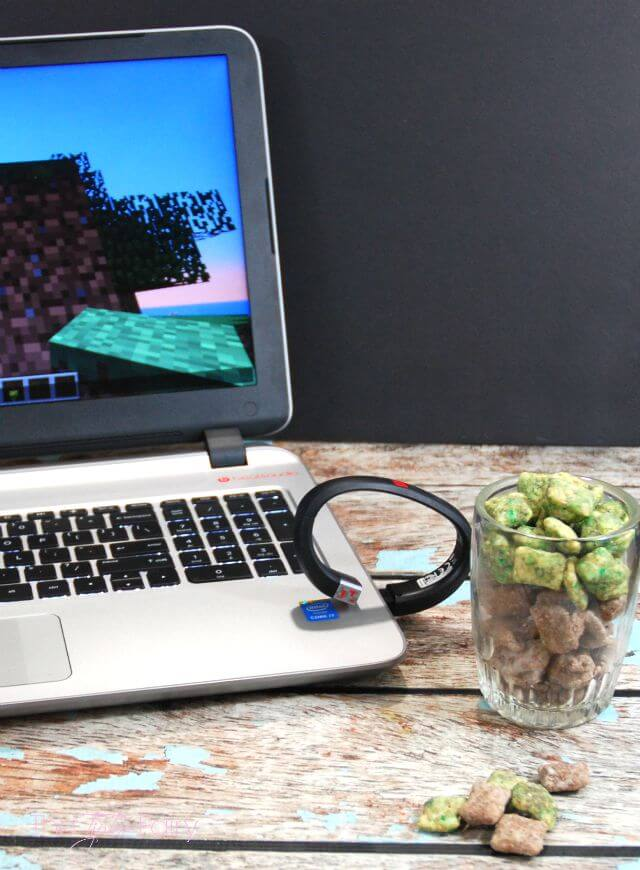 Minecraft Muddy Buddies - a fun after school or party snack! #ad #GameOntheGo | The TipToe Fairy