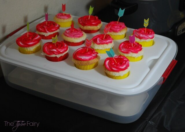 Rubbermaid Party Platter & Party Serving Kit for your Holiday Parties! AD #IC #GobbleAgain | The TipToe Fairy