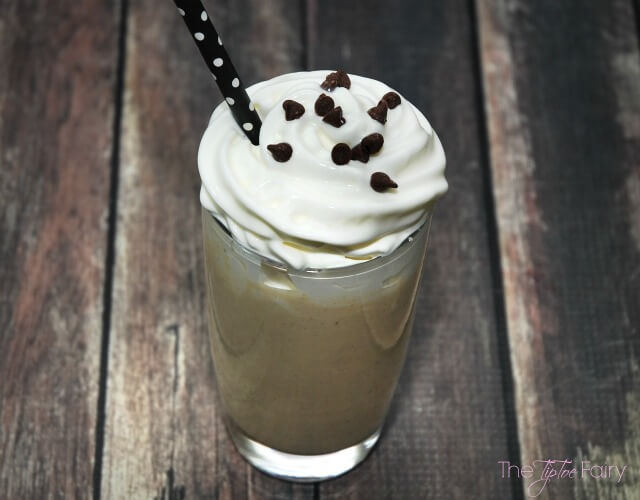 Healthy Peanut Butter Milkshake - delicious & #healthy frozen treat! #peanutbutterbash #glutenfree