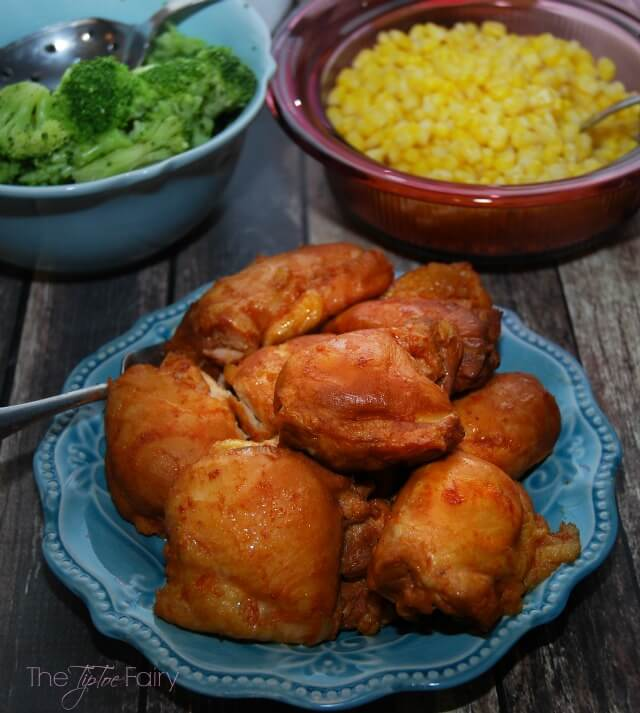 FIVE Ingredient Slow Cooker Barbecue Chicken - easy dinner! #food #foodie #foodporn