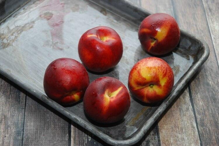 Take a Peach Half & make an easy #Pie! Peach Half Pie - You'll love it! #dessert #food