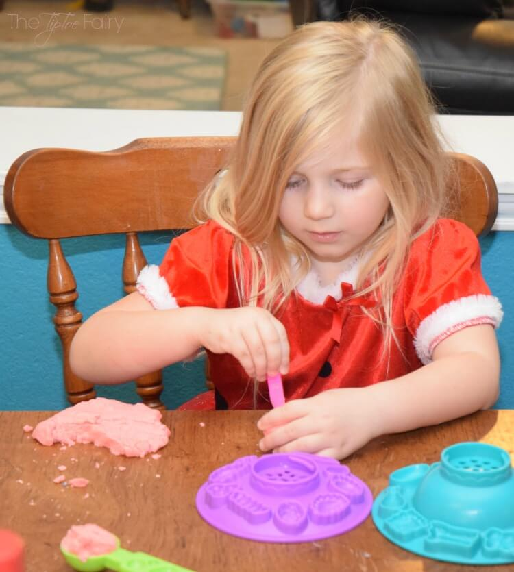 Make 2-Ingredient Pudding Playdough w/ the kids! #PGDetailsMatter #IC #ad