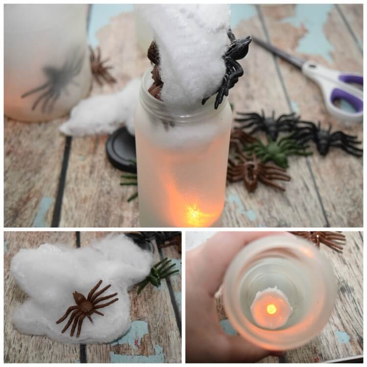 Flickering Spider Lights - perfect for outdoor #halloween decorations! #diy #craft