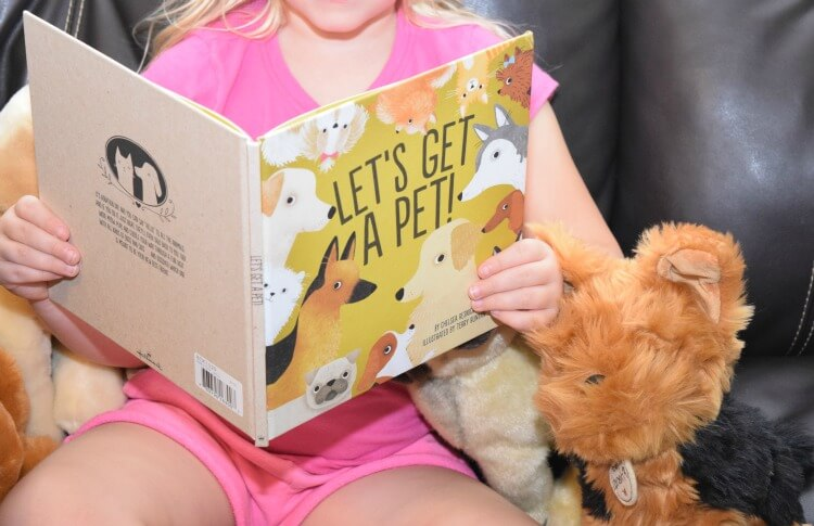 Come on over & #win a Hallmark Prize Pack of stuffed pets & a book! #ad #LoveHallmark