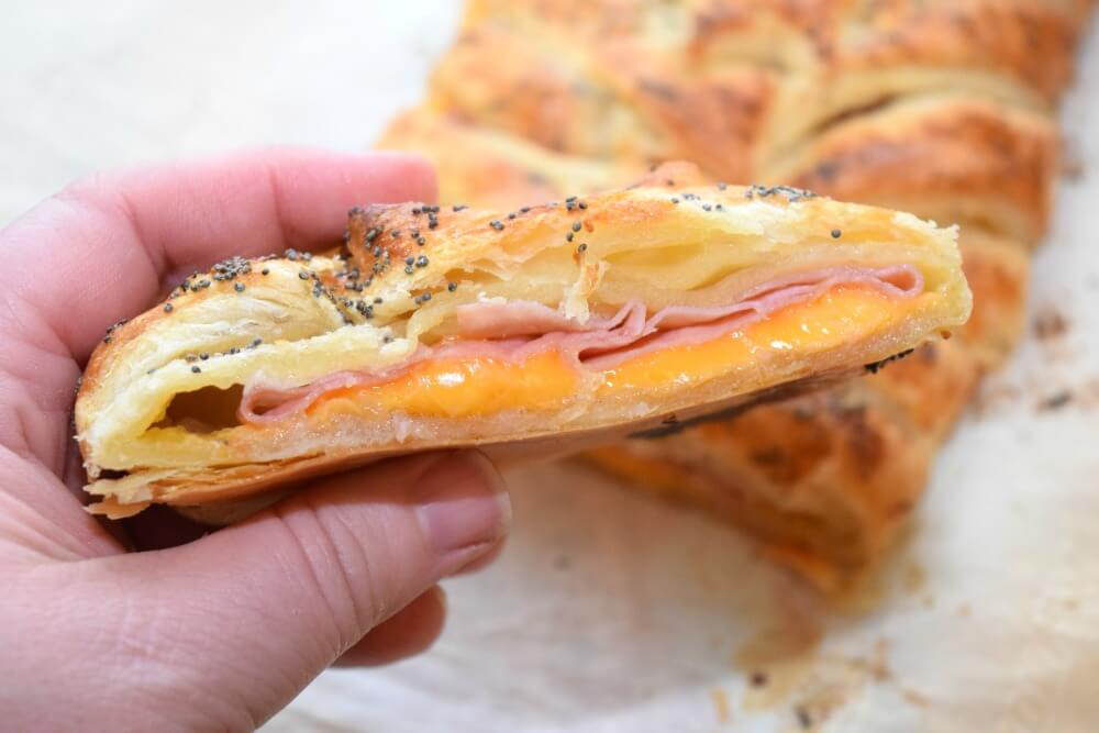 Get #BeyondTheSanwich w/this easy Ham and Cheese Breakfast Braid #ad @Walmart