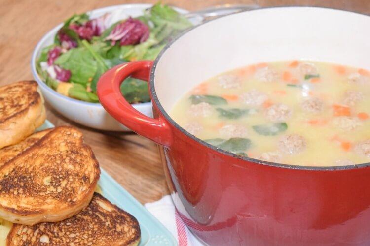 Kids will LOVE this Easy Italian Wedding Soup w @LaModernamx #MyExceptionalPasta #Pmedia #ad