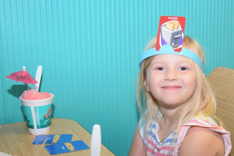 Come see the Family Fun for everyone w #HedBanzElectronic from @SpinMaster! #ad #CG