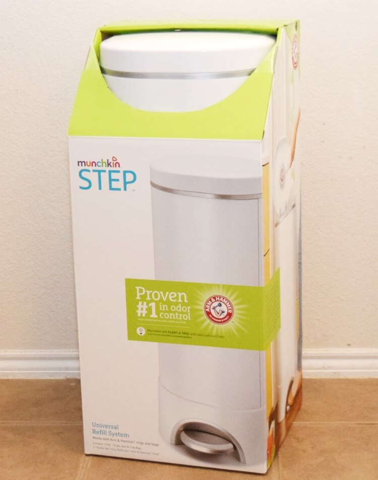 The BEST diaper pail? Check out @munchkin_inc STEP! #BabyBabbleboxx #munchkinmoments #itsthelittlethings #ad