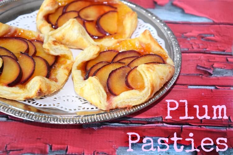 You'll just love how Easy these Plum Pasties are for #dessert! #food #yum