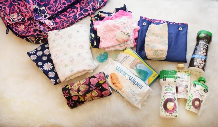 What's in my Diaper Bag? Come see! #ad #baby #momlife