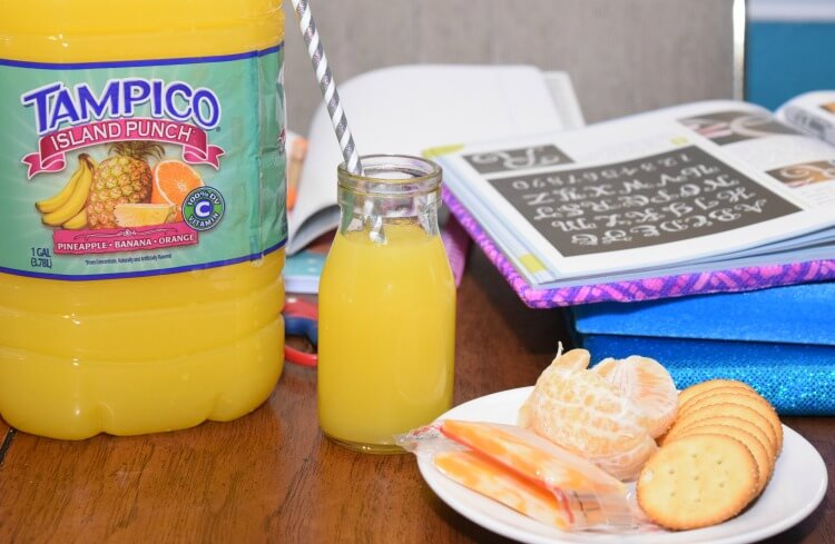 DIY Stretchy Textbook Covers! #Ad #TampicoJuice #SchoolIsCool #AwwSnap