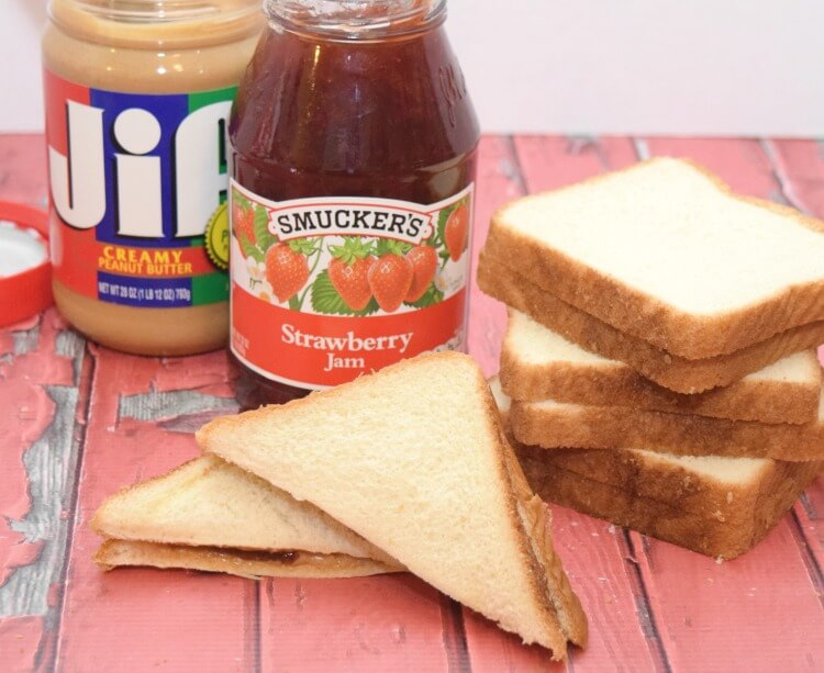 #PowerTheirDay with printable Early Reader Lunch Box Notes & a PB&J! #ad