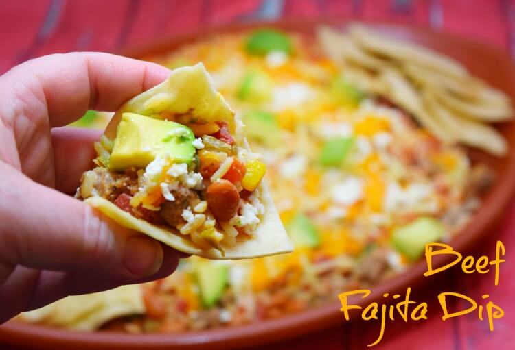 Create a #DipForTheWin w this easy & delicious Beef Fajita Dip with @ro_tel and @walmart! #ad