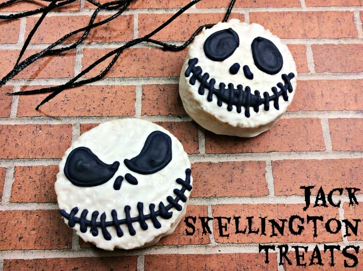 Make these Nightmare Before Christmas Jack Skellington Treats for #Halloween!