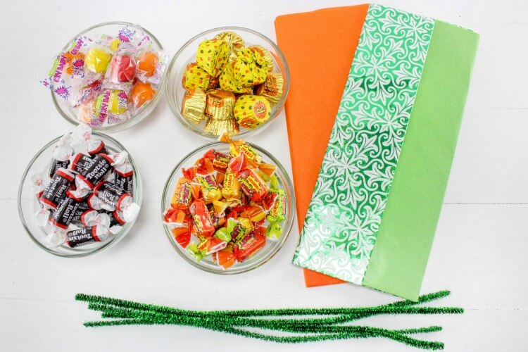 Supplies for Last Minute Pumpkin Goodie Bags - perfect for the #Halloween class party!