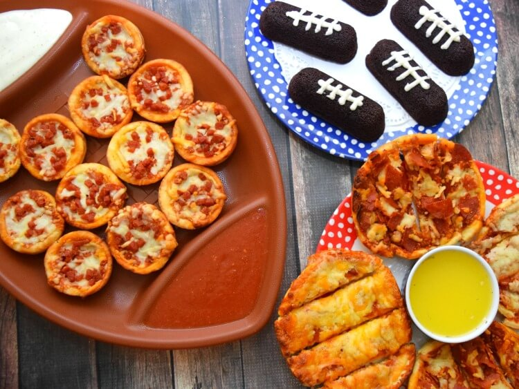 It's #RedBaronGameTime with Pizza Minis & Deep Dish Singles & Roasted Garlic Butter! #ad