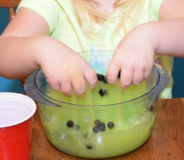 Make Witch's Brew Slime for #Halloween & #ThinkOutsideTheWipe w @Huggies! AD