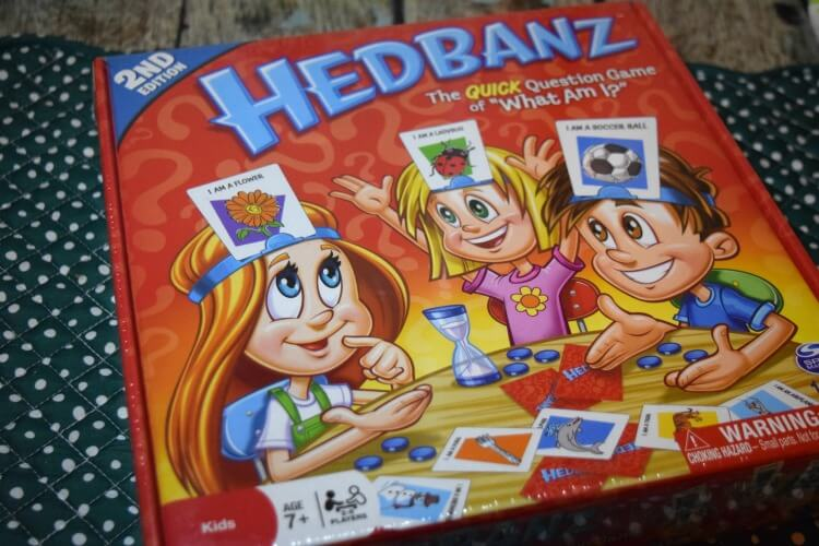 Looking for a game to give for a gift this holiday season? Check out Hedbanz and more! #ad