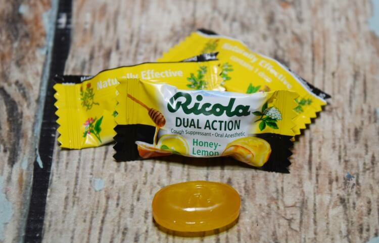 What's your tip to help with Cough & Sore Throat? I like to take Ricola Dual Action Honey Lemon drops. #ad @RicolaAmerica