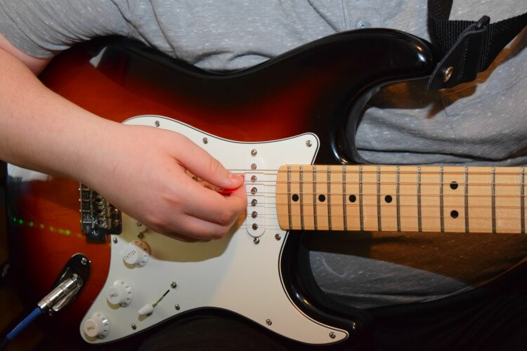 My teen has loved learning how to play the guitar at home with #FenderPlay! #ad @Fender #CLVR