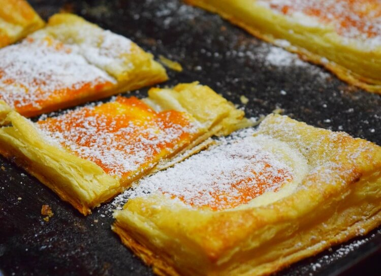How to make Spiced Apricot Cheese Tarts