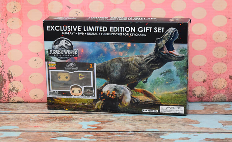 Jurassic World: Fallen Kingdom Set with Funko Pop Keychains