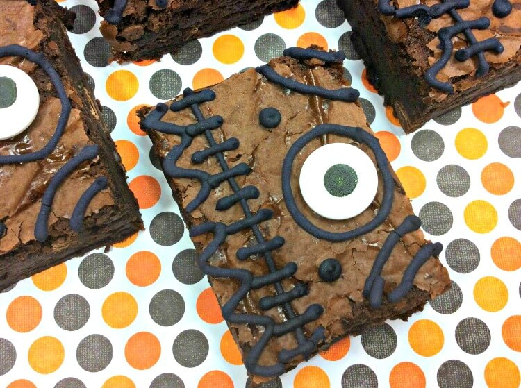 Hocus Pocus Spell Book Brownies - close up eye