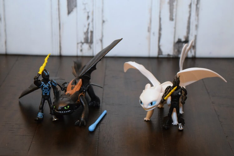 How to Train Your Dragon 3 dragon toys
