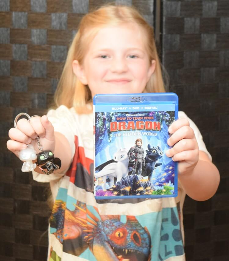 How to Train Your Dragon 3 - what comes in the exclusive Walmart DVD set